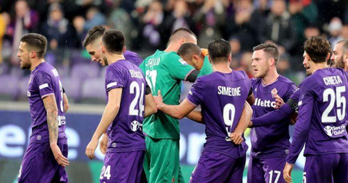 I compagni di Astori piangono in Fiorentina - Benevento
